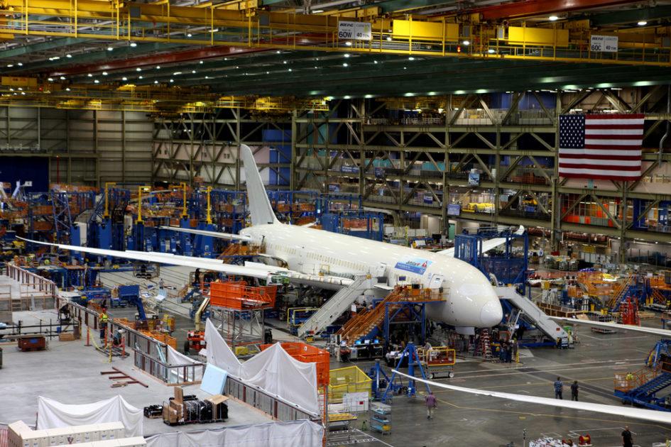 опоздание на работу, Как на заводе Boeing борются с опозданиями?