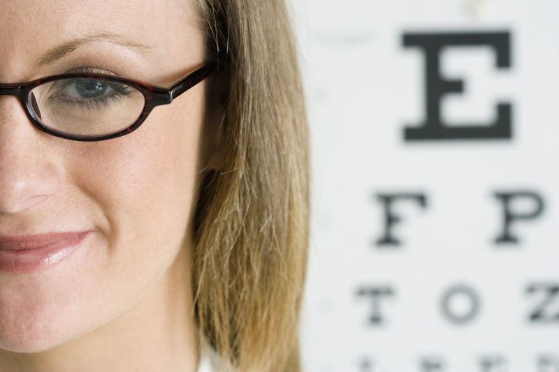 10 упражнений, которые спасут ваше зрение