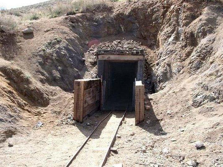 Мужчина в одиночку рыл тоннель почти 40 лет