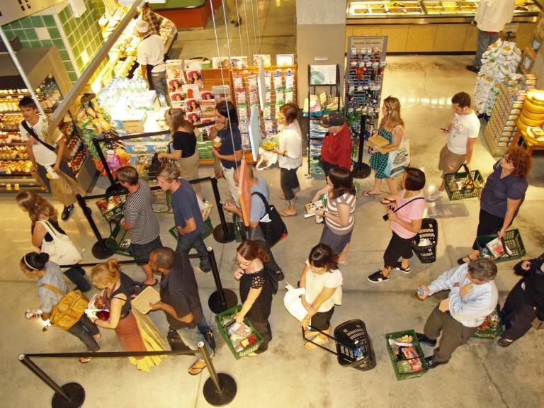 Как выбрать самую быструю очередь в магазине?