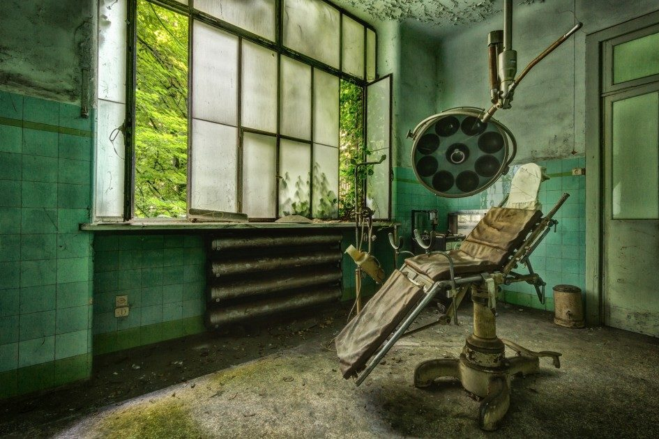 Заброшенные больницы в фотографиях Стефана Бауманна Стефан Бауманн