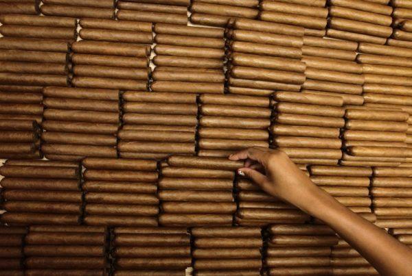 Как делают кубинские сигары?