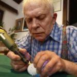 Франк Гром создает удивительные скульптуры из яичной скорлупы