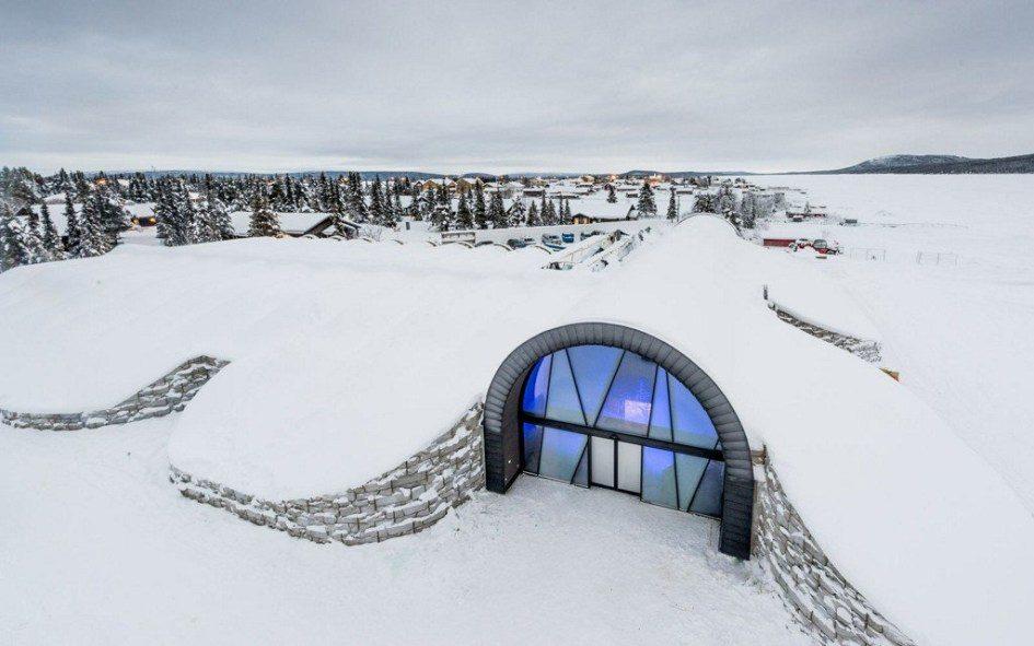 Шведский ледяной отель ICEHOTEL начал работать круглый год