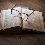 5 книг, которые нужно прочитать перед Рождеством и Новым Годом