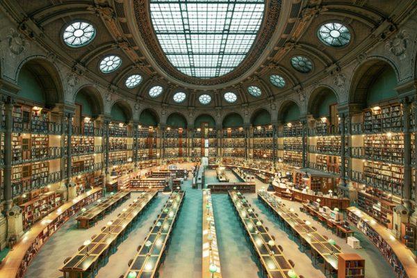 Величественная красота старых библиотек на снимках Франка Бобо