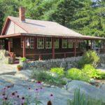 Paper House — оригинальный дом из газет недалеко от Рокпорта