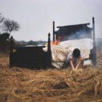 Фотограф с параличом сна воссоздает свои кошмары в фотографиях
