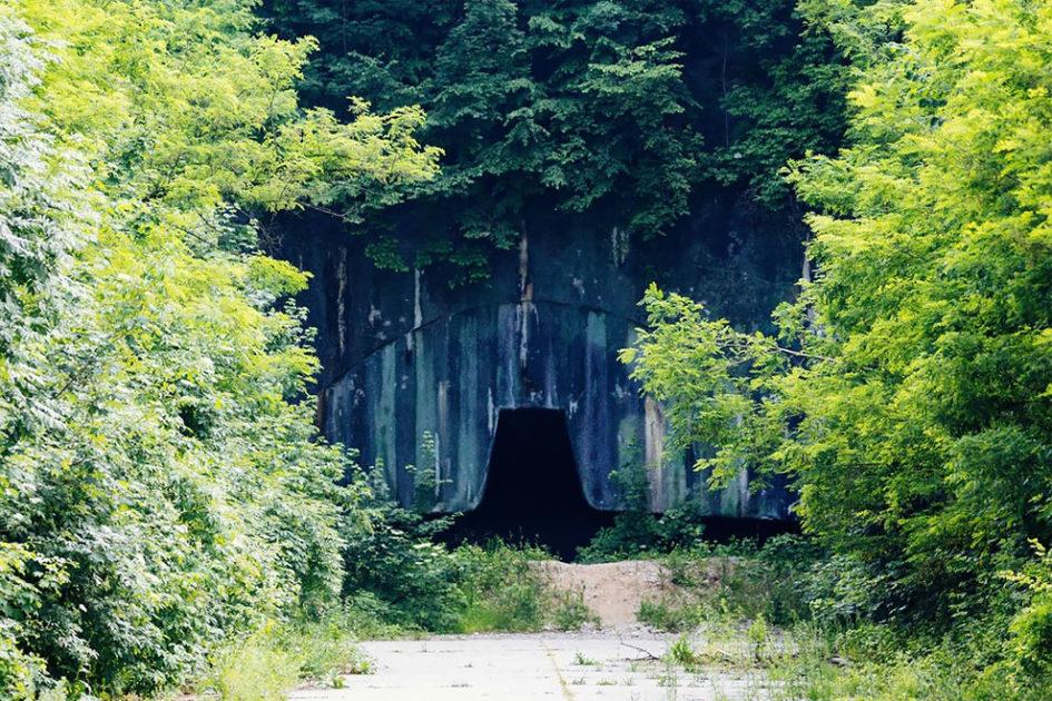 Желява - крупнейшая заброшенная подземная военная авиабаза в Европе