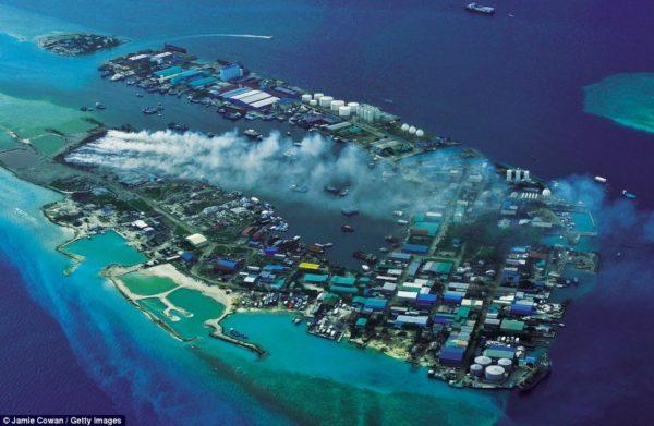 Тилафуши - остров мусора Мальдивских островов