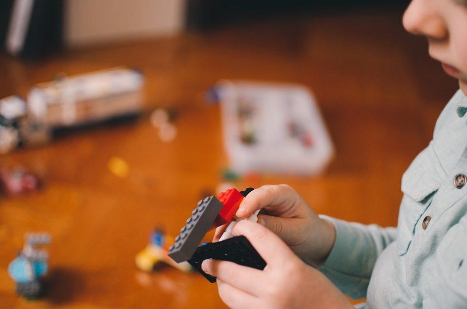 Мелкоблочные тематические конструкторы – Лего и его аналоги.
