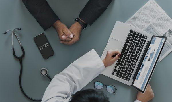 8 болезней офисных работников