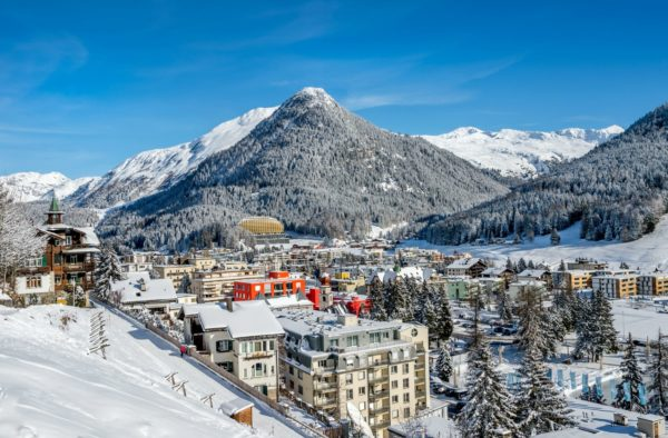 10 лучших мест для катания на лыжах этим летом
