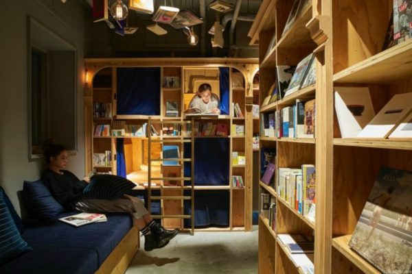 В Японии открылся книжный отель Book and Bed Hotel