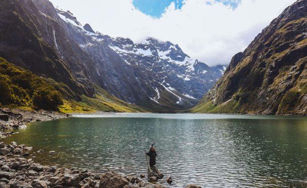 Фотограф Ахил Сугас создал фотогрфии Гендальфа на фоне пейзажей Новой Зеландии