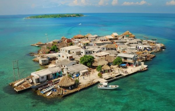 Санта Крус Дель Ислоте - самый густонаселенный остров на планете