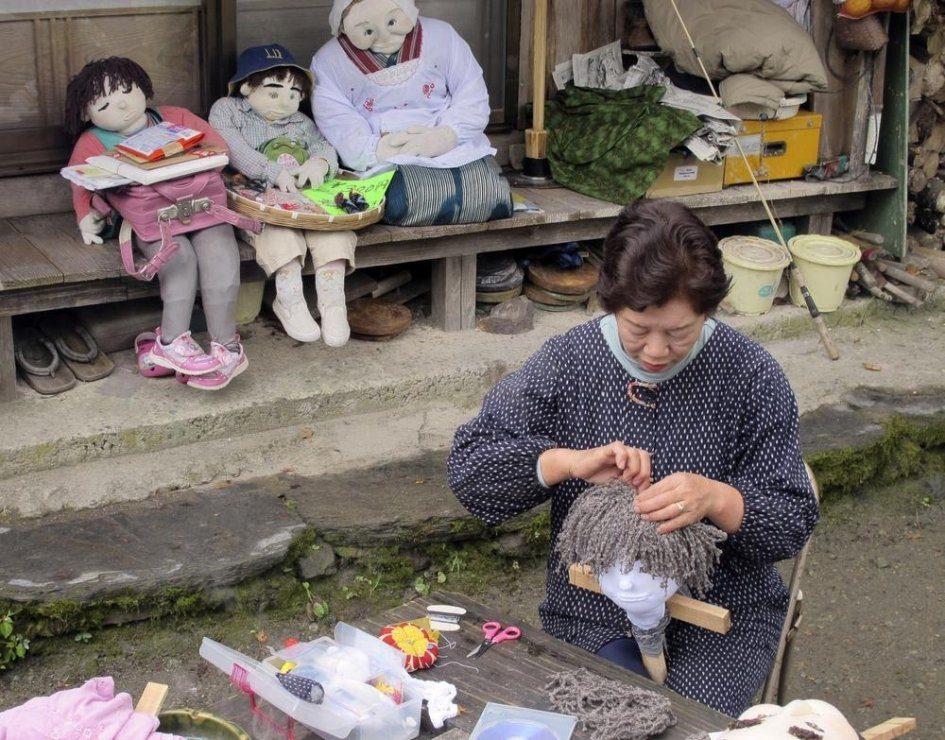 Нагоро - деревня, где вместо людей живут сотни кукол