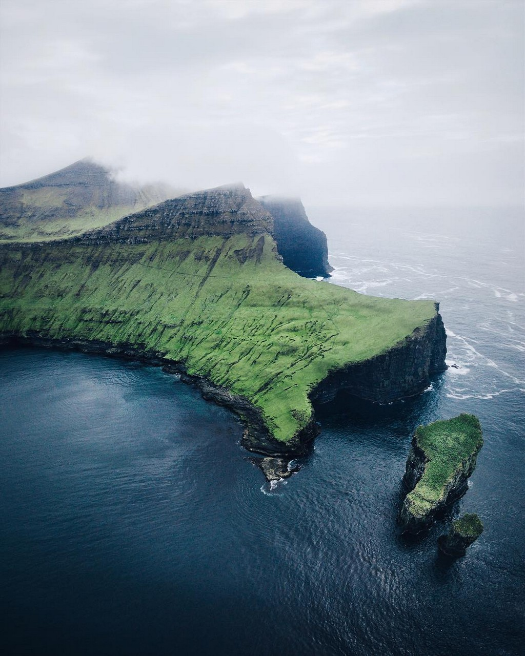 Фотограф Мерлин Кафка показал красоты Фарерских островов 08
