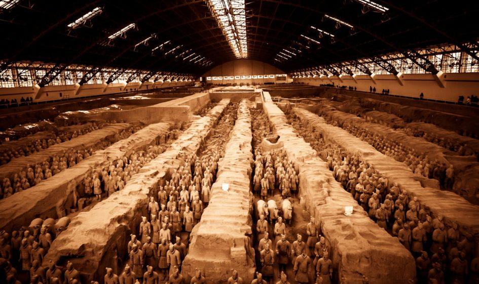 Терракотовая армия Цинь Шихуанди - уникальная достопримечательность Китая