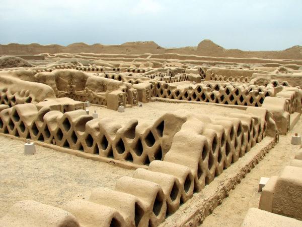 Чан-Чан - крупнейший сохранившийся город, созданный из грязи
