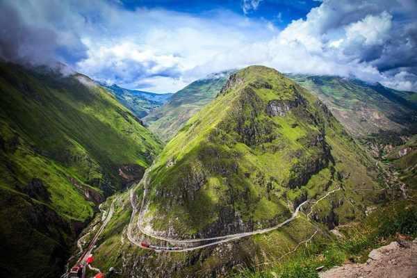 Самая сложная железная дорога XX века в Эквадоре