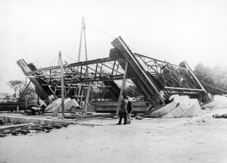 Как строилась Эйфелева башня 09