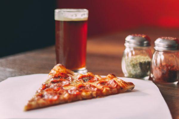 Лучшие напитки под пиццу