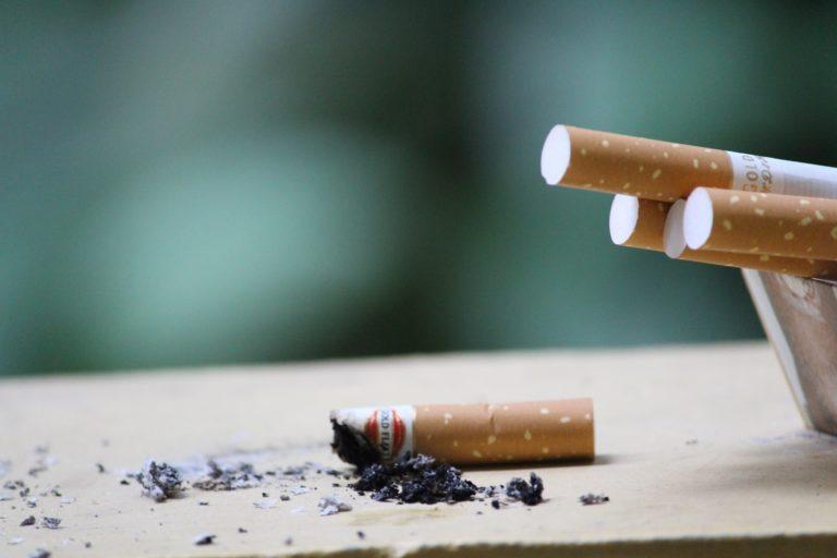 5 групп продуктов, которые помогут очистить организм от никотина
