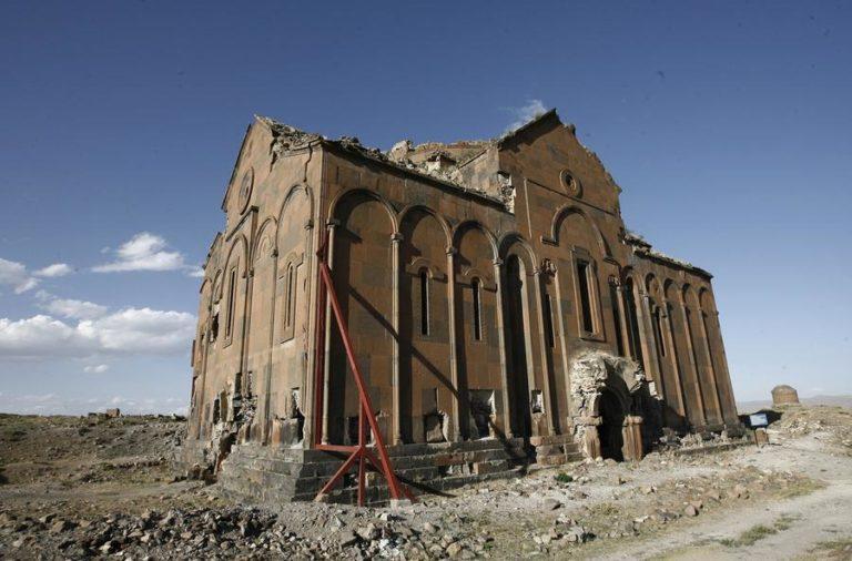 Ани - город тысячи церквей, которых был заброшен