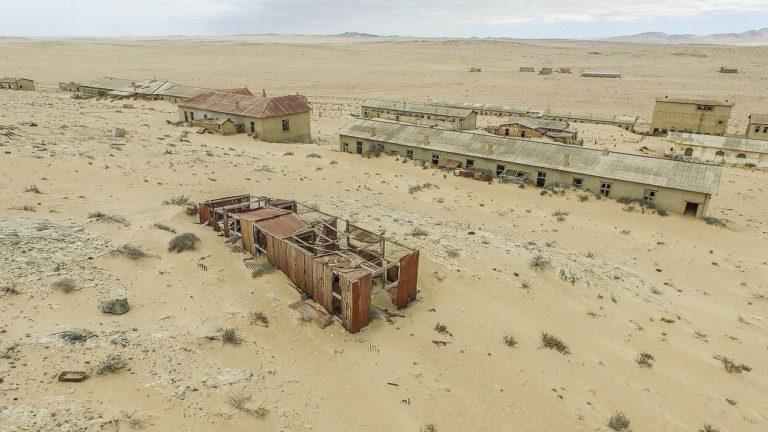 Колманскоп - алмазный город-призрак в Намибии