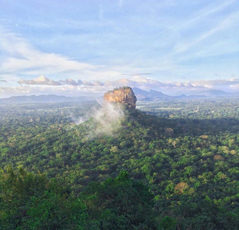Сигирия - уникальная горная крепость на Шри-Ланке