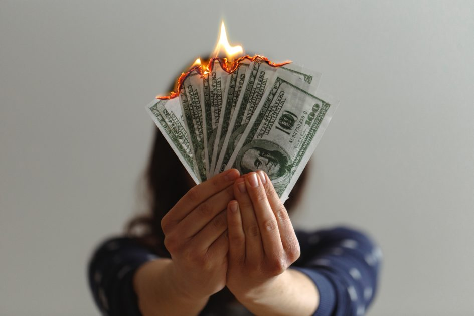 6 причин, почему вам всегда не хватает денег