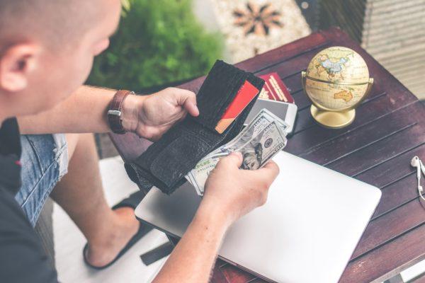5 причин, почему вы покупаете ненужные вещи