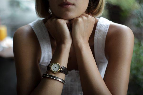 Женские наручные часы — стильное и практичное украшение