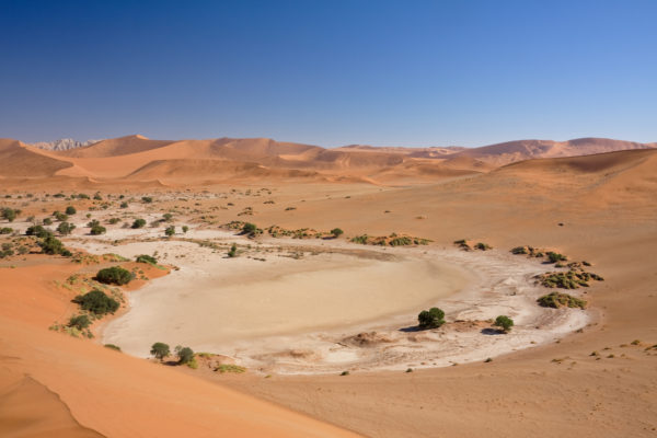 Соссусфлей - глиняное плато, привлекающее толпы туристов