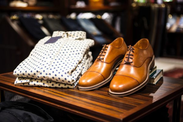 Мужская весенняя обувь: популярные модели туфель и их сочетание с одеждой