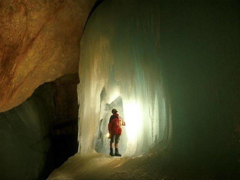 пещера айсризенвельт