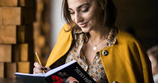 """Как избавиться от всех проблем и начать новую жизнь: советует книга """"Женщины силы"""""""