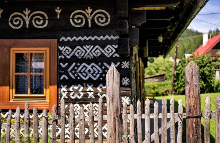 Чичманы - первый в мире заповедник народной архитектуры