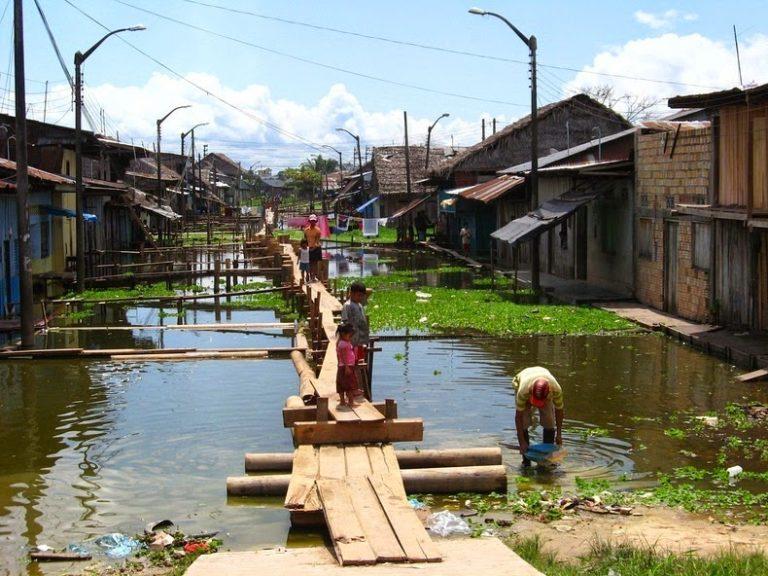 Икитос - крупнейший город в мире, куда нельзя добраться по дороге