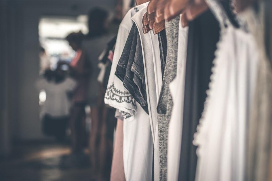 Офисные платья - плюсы отечественных производителей