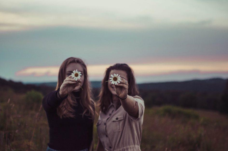 7 признаков ядовитой дружбы